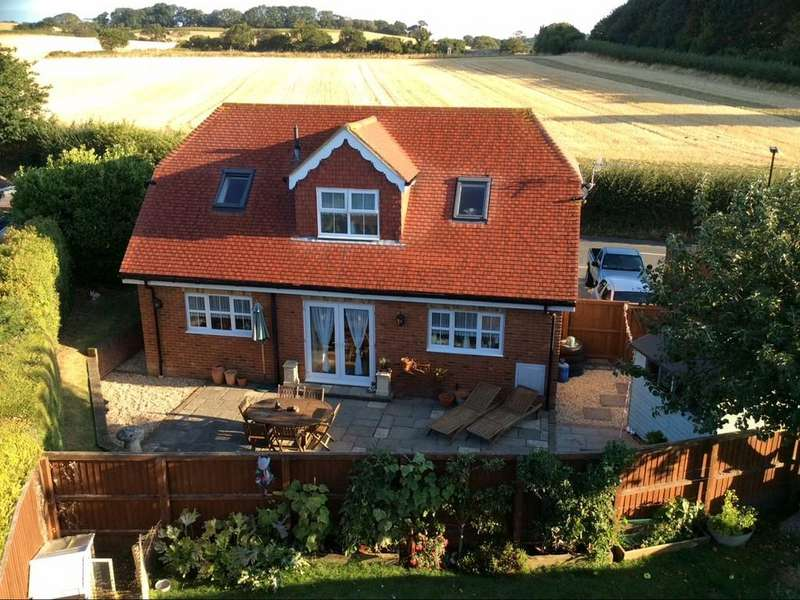 3 Bedrooms Detached House for sale in Nunwell, Isle of Wight