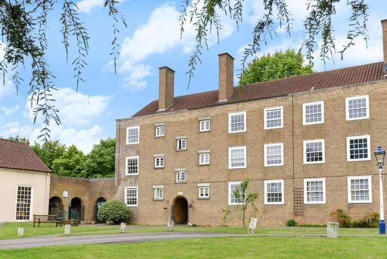 1 Bedroom Flat for sale in Lammas Green London SE26