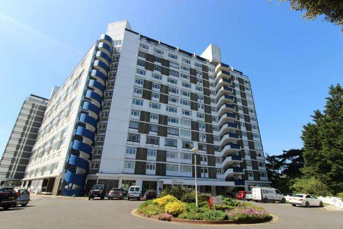 4 Bedrooms Flat for sale in West Cliff Road , West Cliff