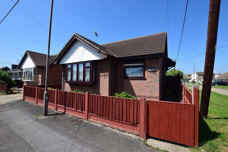 1 Bedroom Detached Bungalow for sale in Maurice Road, Canvey Island