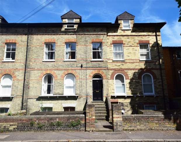 2 Bedrooms Flat for sale in Queens Road, Twickenham