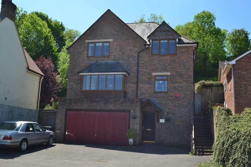 5 Bedrooms Detached House for sale in Spetisbury