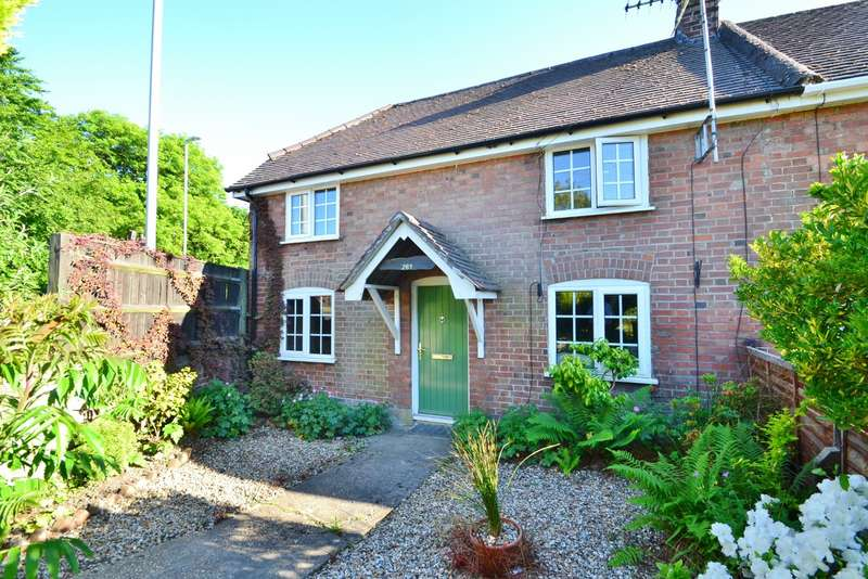 2 Bedrooms Semi Detached House for sale in Ferndown