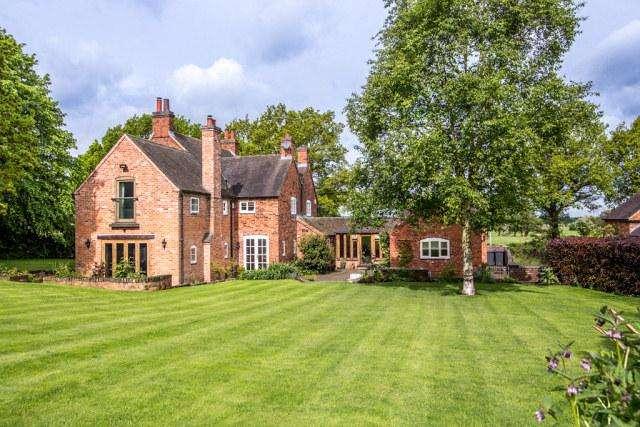 5 Bedrooms Detached House for sale in Little Hay Lane,Little Hay,Lichfield