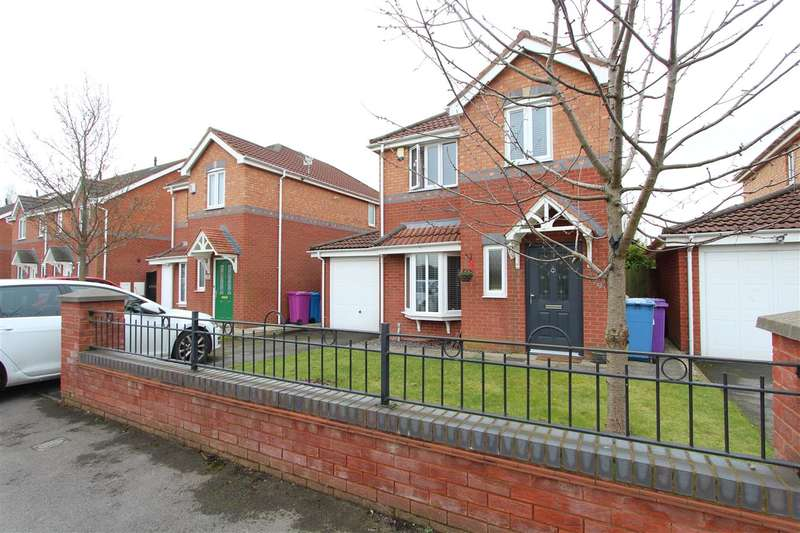 3 Bedrooms Semi Detached House for sale in Silverbrook Road, Naylorsfield, Liverpool