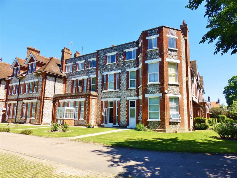 1 Bedroom Apartment Flat for sale in (B) Clovelly, 20 Blackwater Road, Eastbourne