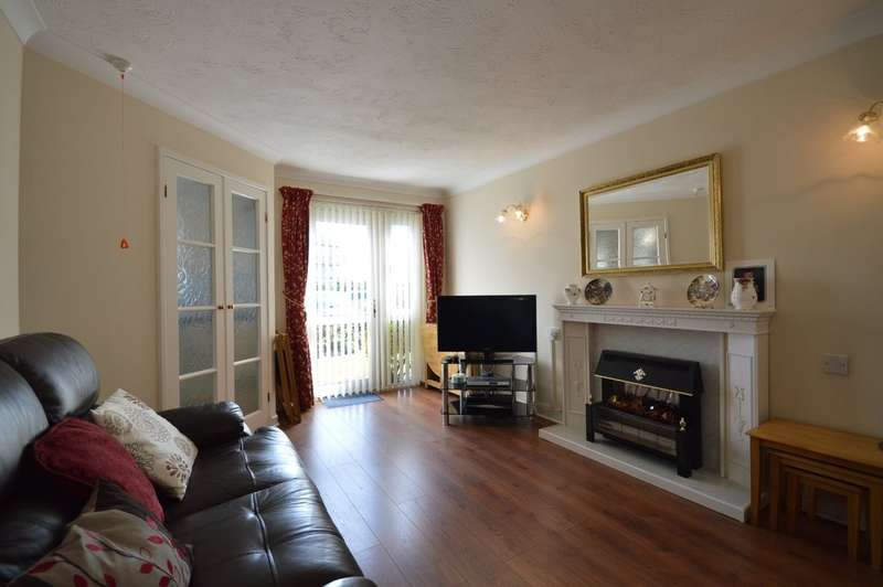 1 Bedroom Ground Flat for sale in Lemon Tree Court, Clifton Drive North, Lytham St. Annes