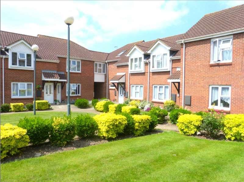 2 Bedrooms Maisonette Flat for sale in Yew Tree Court, Barnet Lane, Elstree