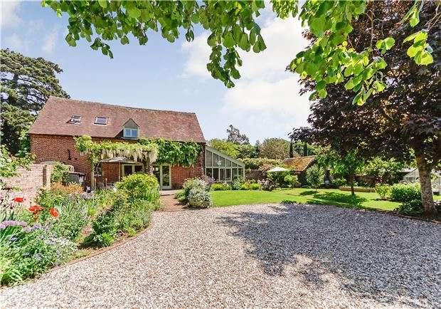 4 Bedrooms Property for sale in The Coach House, Minsterworth, Gloucestershire, GL2 8JJ