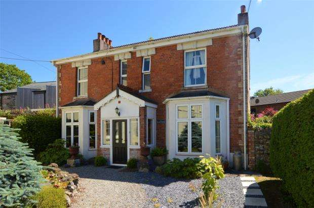 4 Bedrooms Detached House for sale in Old Priory, Plymouth, Devon