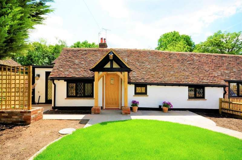 2 Bedrooms Semi Detached House for sale in Ewhurst Road, Cranleigh
