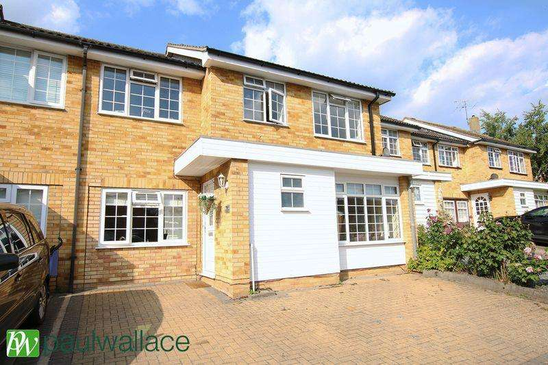 4 Bedrooms Terraced House for sale in Smarts Green, Adamsfield, West Cheshunt