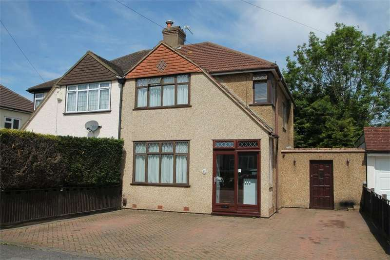 3 Bedrooms Semi Detached House for sale in Aldersmead Avenue, Shirley, Croydon, Surrey
