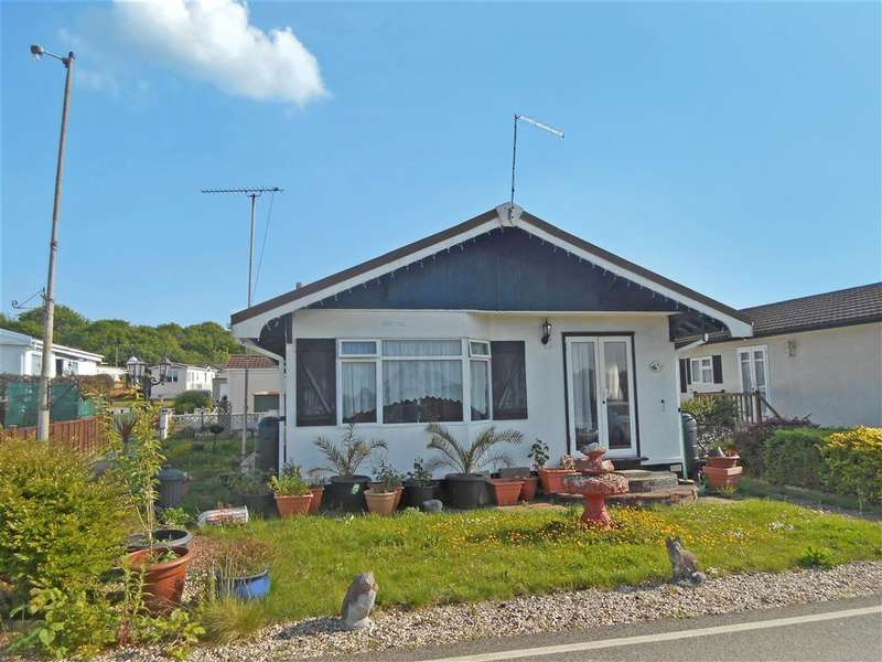 2 Bedrooms Mobile Home for sale in Lower Dunton Road, Brentwood, Essex