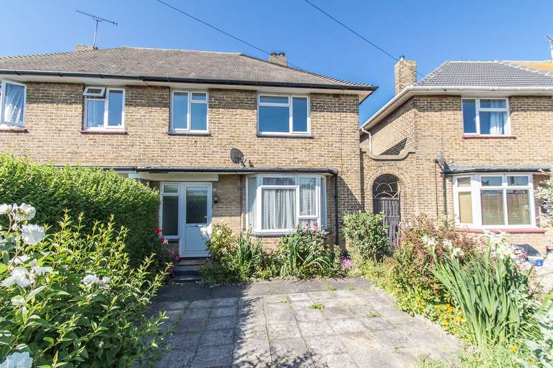 3 Bedrooms Semi Detached House for sale in Thameside Crescent, Canvey Island, SS8