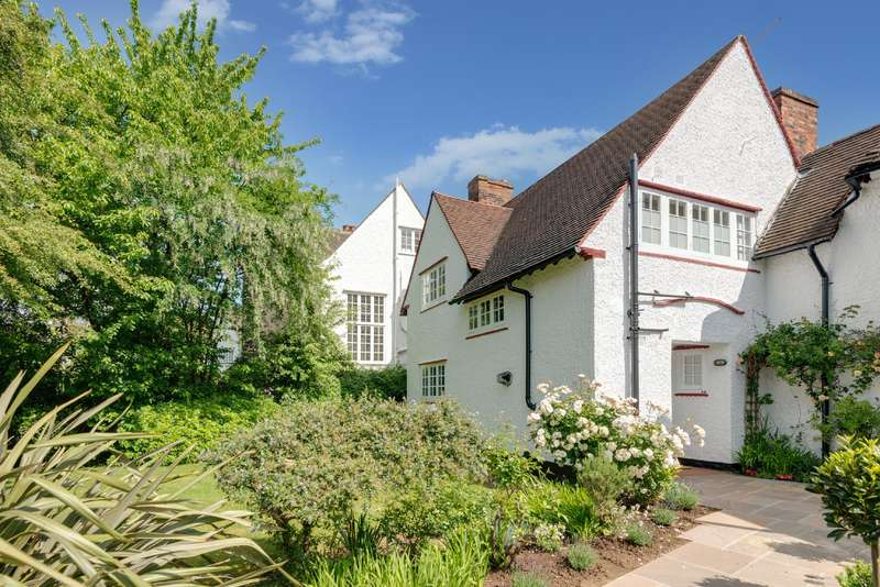4 Bedrooms Detached House for sale in Temple Fortune Lane, Hampstead Garden Suburb