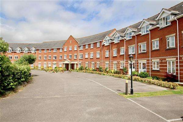 1 Bedroom Flat for sale in Regency Crescent, Christchurch