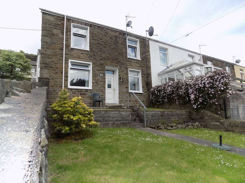 3 Bedrooms End Of Terrace House for sale in Graig Fryn Terrace, Nantymoel, Bridgend. CF32 7PD