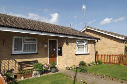2 Bedrooms Bungalow for sale in Abington, Cambridge, Cambridgeshire