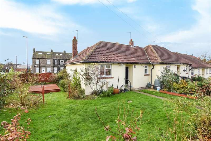 1 Bedroom Semi Detached Bungalow for sale in Hawthorn Road, Yeadon, Leeds, LS19 7UT