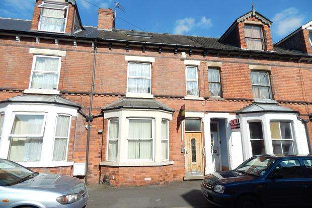 3 Bedrooms Terraced House for sale in Beauvale Road, The Meadows, Nottingham, NG2