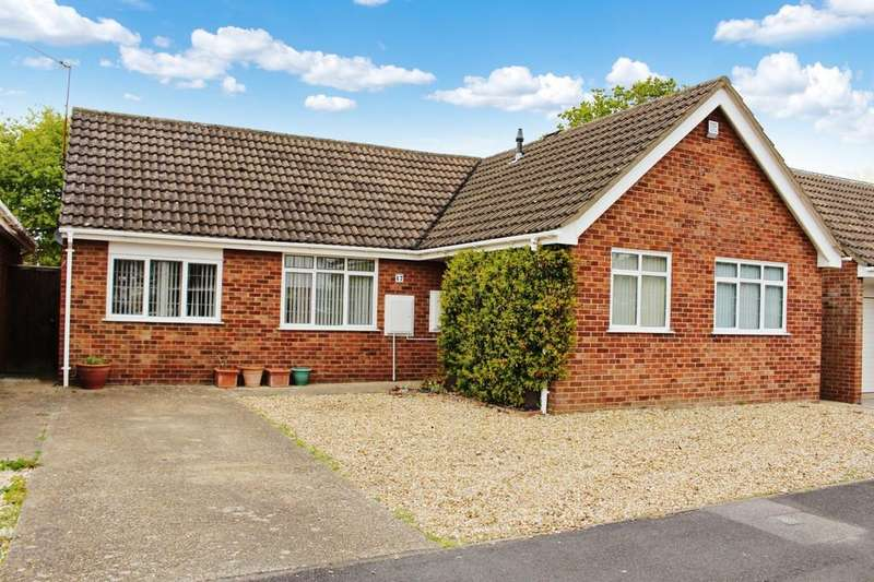 3 Bedrooms Detached Bungalow for sale in Saxon Road, Blackfield