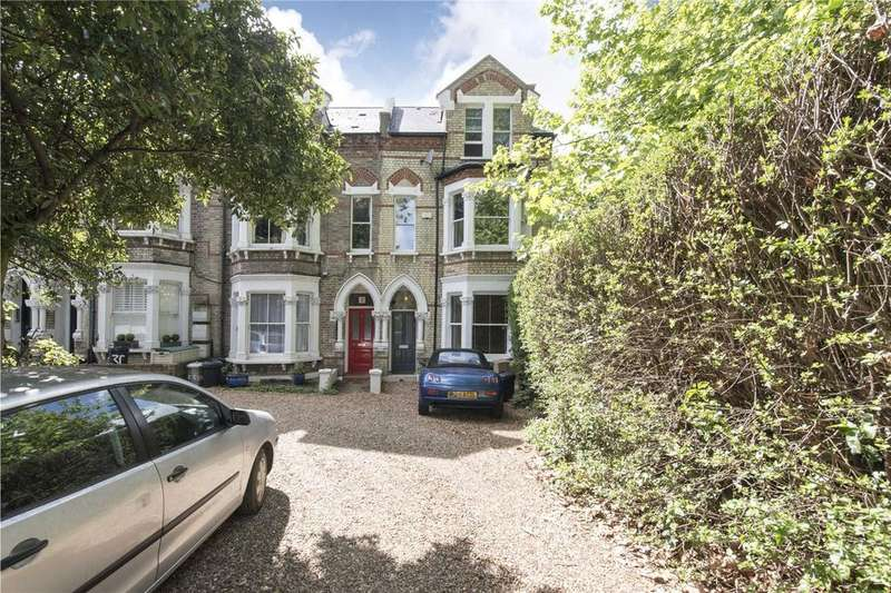2 Bedrooms Flat for sale in Worcester Gardens, Grandison Road, London, SW11