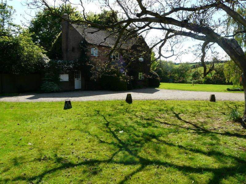 Detached House for sale in kingston Road, Shalbourne