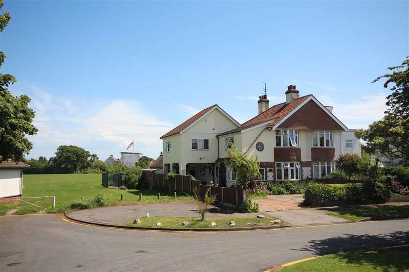 4 Bedrooms Semi Detached House for sale in Fourth Avenue, Clacton-On-Sea