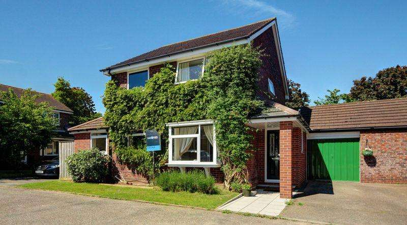 4 Bedrooms Detached House for sale in Birkett Close, Exeter