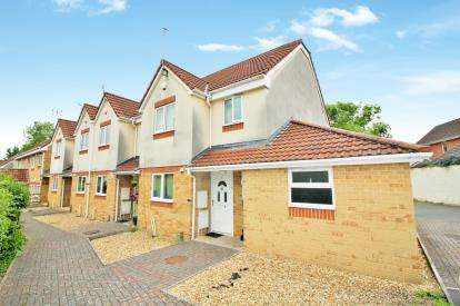 4 Bedrooms Town House for sale in Blackhorse Lane, Downend, Bristol