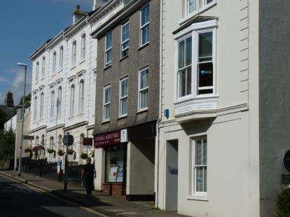 3 Bedrooms Flat for sale in 119 Fore Street, Kingsbridge, Devon