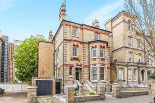 3 Bedrooms Flat for sale in Second Avenue, Hove, East Sussex, .