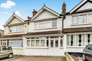 3 Bedrooms Terraced House for sale in Lavender Vale, Wallington, Surrey