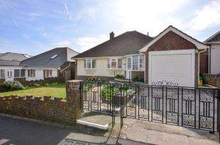 3 Bedrooms Bungalow for sale in Marine Close, Saltdean, Brighton, East Sussex