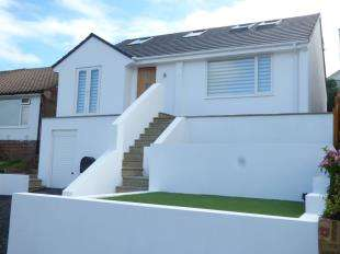 3 Bedrooms Bungalow for sale in Lustrells Close, Saltdean, Brighton, East Sussex