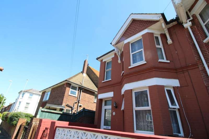 3 Bedrooms Property for sale in Langney Road, Eastbourne, BN21