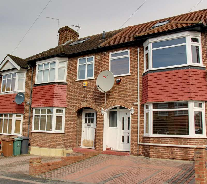 3 Bedrooms Property for sale in Trevose Road, London, E17