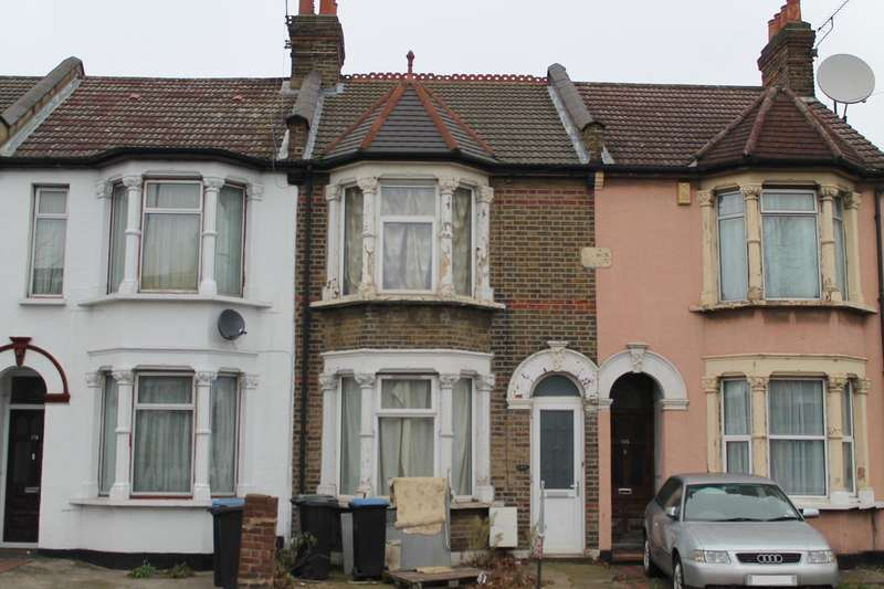 3 Bedrooms Terraced House for sale in Nags Head Road, Enfield, London, EN3