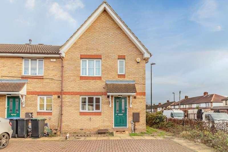 3 Bedrooms Terraced House for sale in Sedley Close, Enfield, London, EN1