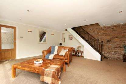 3 Bedrooms Detached House for sale in Moorhouse Lane, Whiston, Rotherham, South Yorkshire