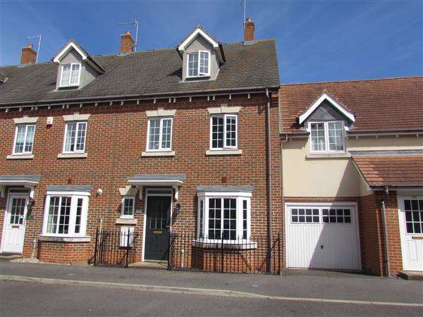 4 Bedrooms Town House for sale in Offord Close, Grange Farm, Kesgrave, Ipswich