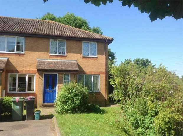 3 Bedrooms Semi Detached House for sale in Iris Road, West Ewell