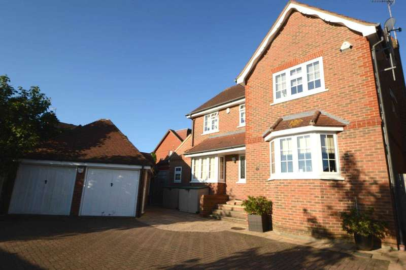 4 Bedrooms Detached House for sale in Beechcroft Road, Bushey