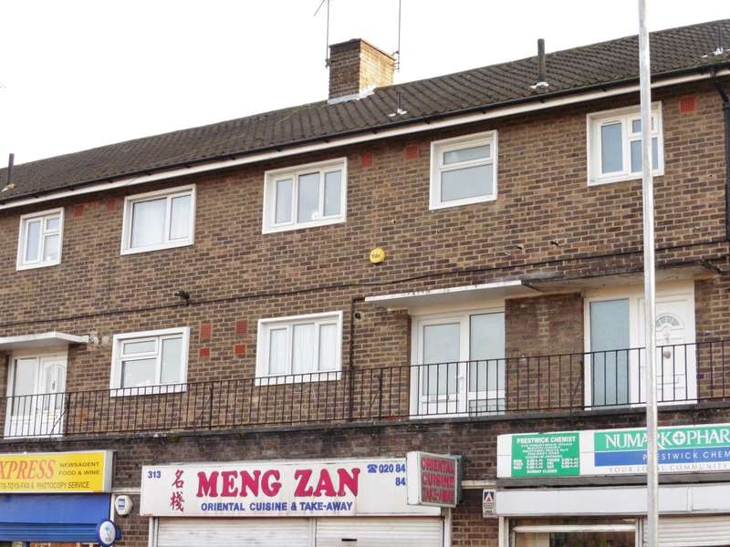 3 Bedrooms Maisonette Flat for sale in Prestwick Road, South Oxhey
