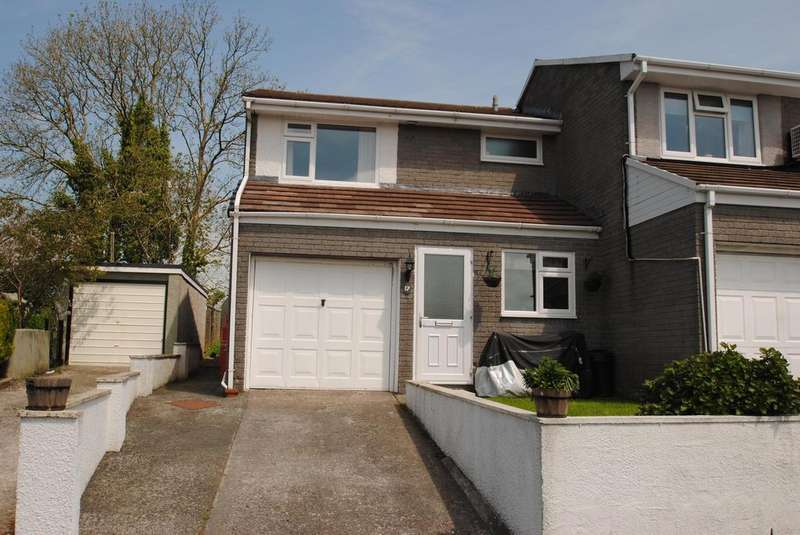 3 Bedrooms Terraced House for sale in Tor View, Tregadillett