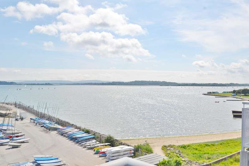 2 Bedrooms Penthouse Flat for sale in Hamworthy