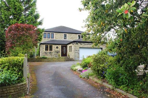 4 Bedrooms Detached House for sale in Bradford Road, Oakenshaw, Bradford, West Yorkshire