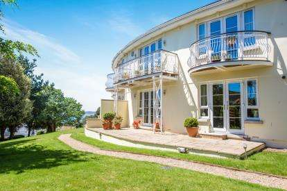 3 Bedrooms Flat for sale in Fore Street Hill, Budleigh Salterton, Devon