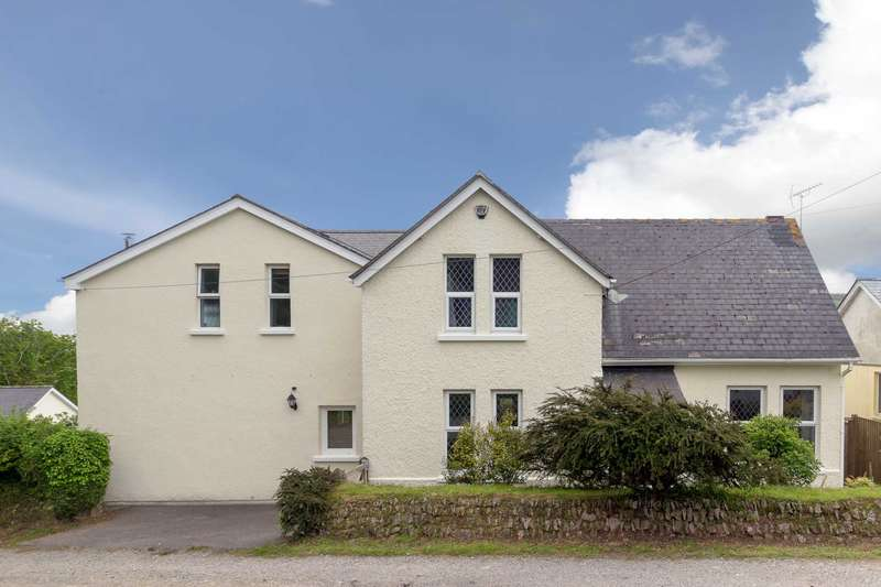 5 Bedrooms Detached House for sale in Kelly Bray, Callington. PL17